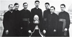 P.S. Valeriu Traian Frențiu alături de seminariștii orădeni prezenți la studii la Roma, 3 martie 1940