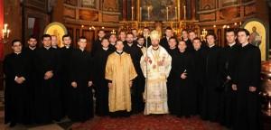 Seminariștii Colegiului Pio Romeno alături de P.S. Claudiu Lucian Pop cu ocazia consacrării întru episcopat, 8 decembrie 2011