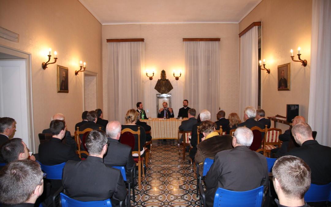 "Conferință la Colegiul Pontifical Pio Romeno: ,,Anul Credinței – De la Papa Paul al VI-lea la Papa Francisc"""